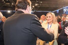 Rajoy expresa el «apoyo del PP» a Cifuentes