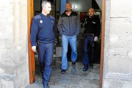 El juez Miquel Florit levanta las medidas cautelares a tres policías de la Patrulla Verde