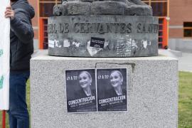 Primera dimisión por el polémico máster de Cristina Cifuentes