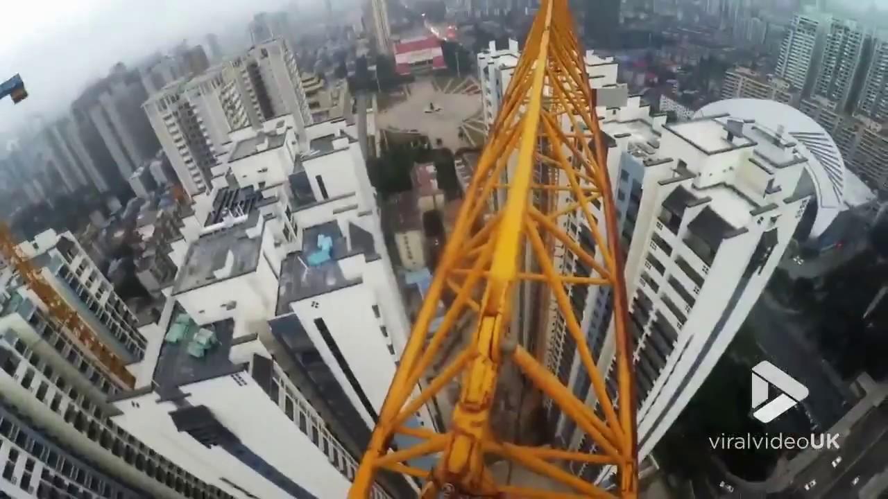 Detenido por lanzarse desde el edifico más alto de Pekín