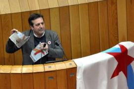 Duelo de rotura de fotos en el Parlamento gallego entre BNG y PP