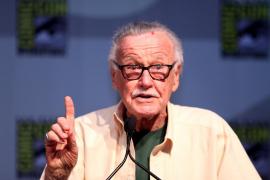 Acusan a la hija de Stan Lee de abusar de su padre