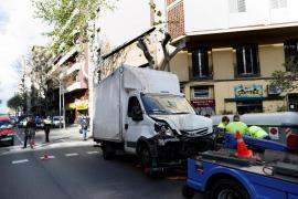 Un camión atropella accidentalmente a siete personas en Barcelona