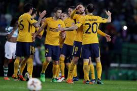 El Atlético sufre, pero se clasifica