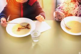 El Govern incrementa en medio millón el importe de las ayudas de comedor