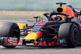 Ricciardo se impone en China donde Alonso termina séptimo con adelantamiento a Vettel incluido