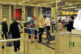 Una vigilante del aeropuerto de Palma denuncia sentirse discriminada por ser mujer