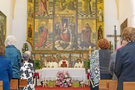 Jesús celebra con una misa cantada y un concierto la inauguración del retablo