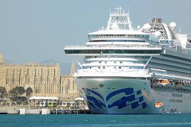 El crucero 'Crown Princess' atraca en Palma