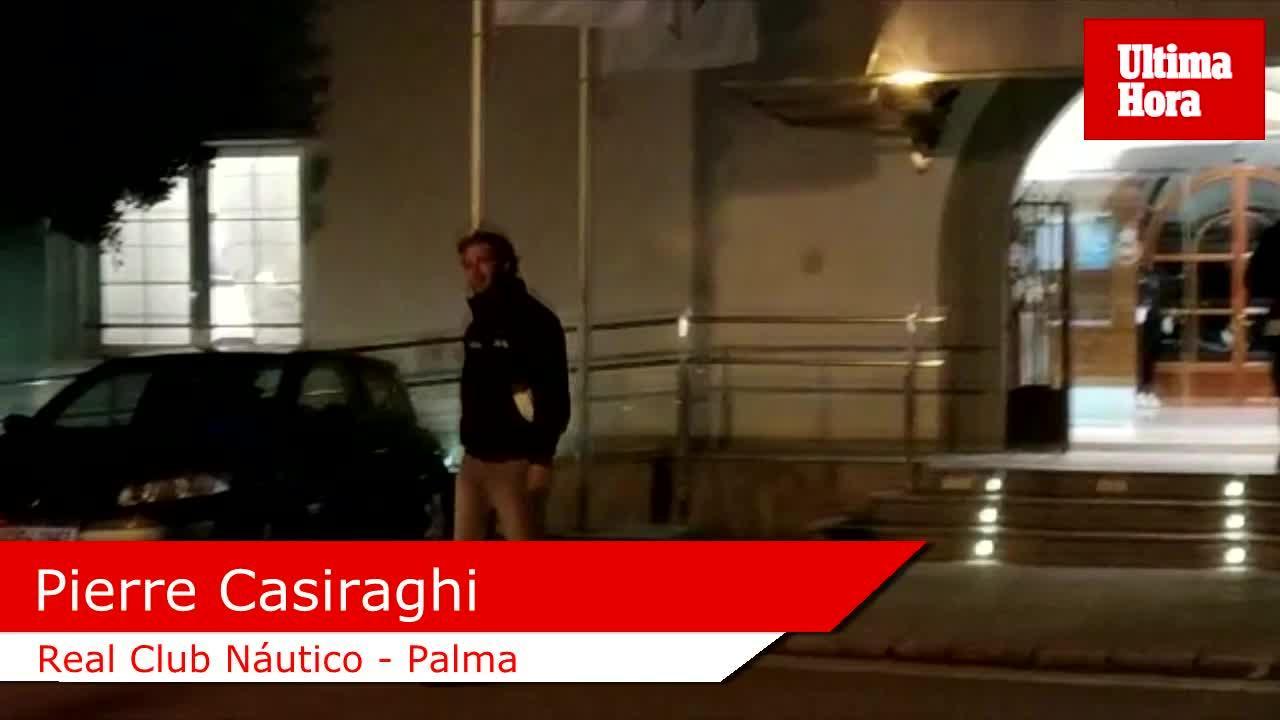 Pierre Casiraghi se pone al volante en Mallorca del nuevo superdeportivo de BMW
