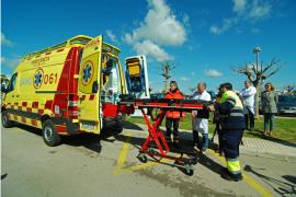 Dos técnicos del 061 agredidos por un paciente en pleno traslado a Son Llàtzer