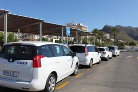 La patronal del taxi pide mayor libertad de turnos y de contratar   conductores