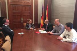 Maria Salom sostiene que la «obsesión» del Govern por el catalán provoca la pérdida de profesionales y de competitividad