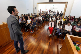 Entrega de 'permisos de venta' a los alumnos participantes del programa ICAPE