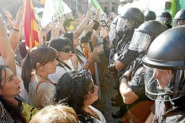 La Generalitat propone reducir sueldos o despedir a 1.500 sanitarios interinos