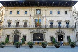 Cort pretende ahorrar 10 millones de euros en personal en dos años