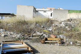 Los solares cercanos a la ronda de sa Pobla se convierten en vertederos ilegales
