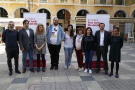 Más 'paradetes' y flores para un Sant Jordi «intergeneracional» en Palma