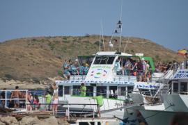 El Govern, contra las 'party boats'