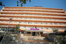 Un turista, muy grave al caer desde un tercer piso en un hotel de s'Arenal