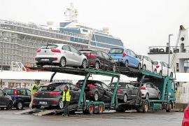 Un estudio del Govern indica que los 'rent a car' no saturan las carreteras de las Islas