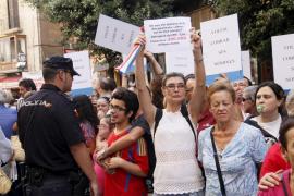 Centenares de personas exigen a Bauzá que pague a las asociaciones de discapacitados