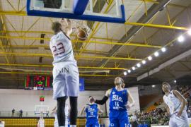 El Iberostar derrota al Ourense y se juega la salvación en la última jornada