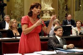 Armengol acusa al Govern de no haber tomado «ni una sola medida» para salir de la crisis