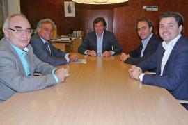 El alcalde pone «firmes» a Cerdà y Coca tras su enésimo esperpento