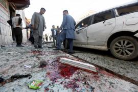 Decenas de víctimas mortales por un atentado suicida en Kabul