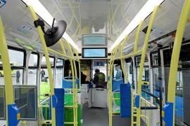 La EMT pide que los nuevos autobuses tengan wifi y USB para cargar el móvil