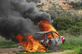 La policía investiga un incendio intencionado en un coche en el Port d'Andratx