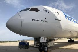 Air Europa homenajea a Mateo Sánchez bautizando con su nombre su último boeing
