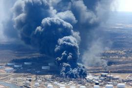 La explosión en una refinería de Wisconsin causa once heridos