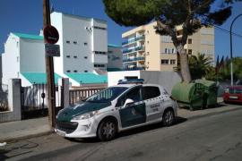 Fallece una mujer al caer de unos apartamentos en Magaluf