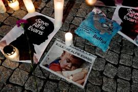Muere Alfie Evans, el bebé que fue desconectado contra la voluntad de sus padres
