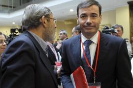 El PSOE aprueba sus listas para el 20-N con 14 abstenciones