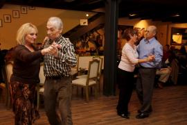 Bailes y juegos en la Casa de Andalucía con motivo de la Semana Cultural
