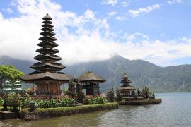 Un niño australiano se paga unas vacaciones en Indonesia con la tarjeta de su madre