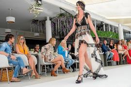 Desfile de moda Adlib para la preapertura de Ocean Beach Ibiza