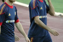 Xabi Alonso entrena con normalidad y Sergio Ramos se ejercita al margen