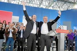 Rubalcaba afirma que lo que Rajoy calla lo dicen Aguirre, Cospedal o Feijoo