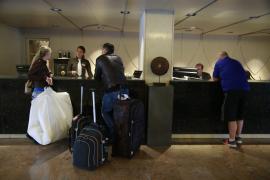 Los turistas muestran su sorpresa por tener que pagar el doble de ecotasa