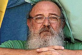 R.D., denunciado por el soberanista Manel Doménech: «A disposición de las Fuerzas de Seguridad y fiel a la Constitución»