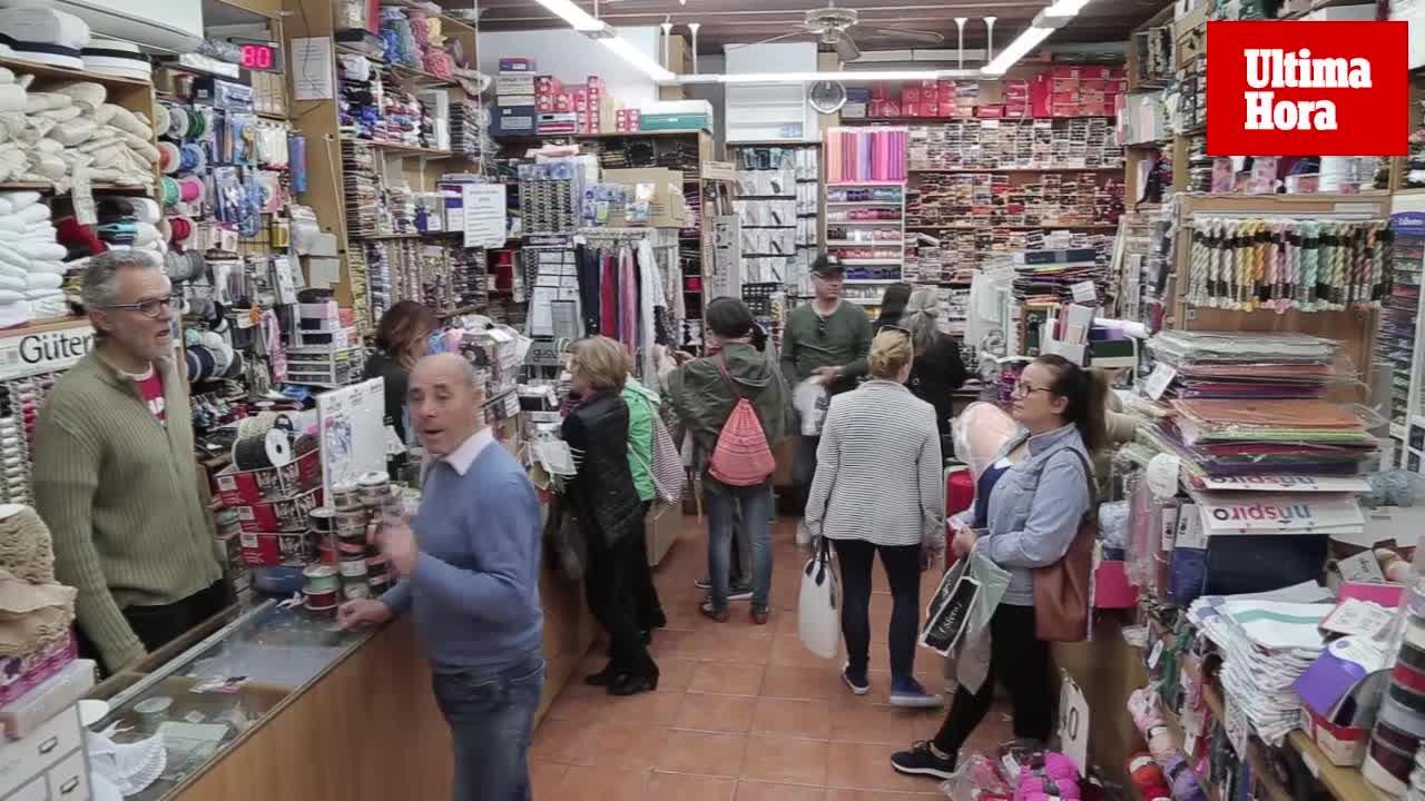 Mercería La Veneciana: «Antes estaba de moda bordar o el ganchillo, ahora tunear las prendas»