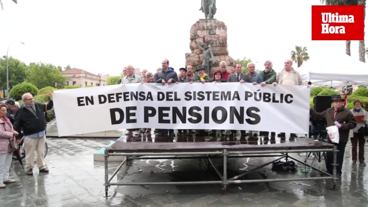 Más de 150 manifestantes a favor de la subida de las pensiones