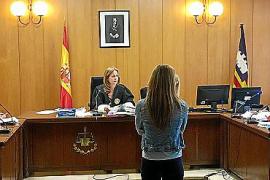 Condenada a medio año de cárcel la propietaria de una guardería de Palma que maltrataba a los bebés