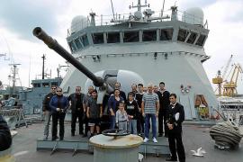 Portopí abre sus puertas para visitar los buques del Ejercicio Spanish Minex 18