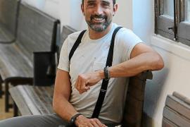 Juanjo Bermúdez sube a escena a Nou Llevant en 'Historias del barrio'