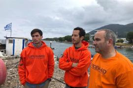 Los bomberos sevillanos detenidos por rescatar refugiados, juzgados este lunes en Lesbos